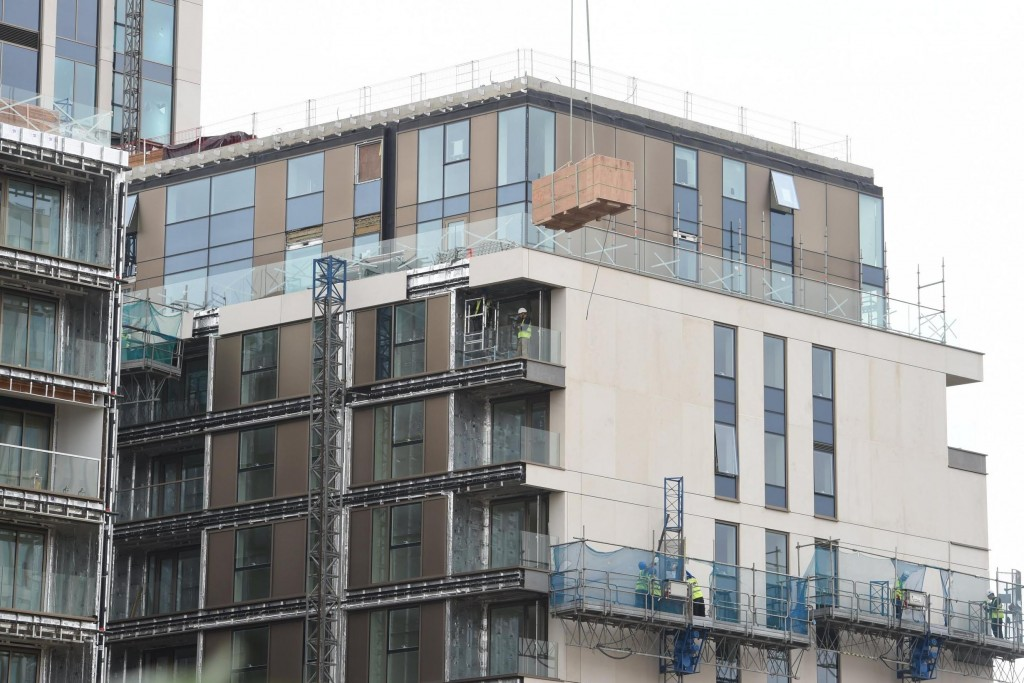 External, firesafe honeycomb cladding installation at One Kensington Row, London
